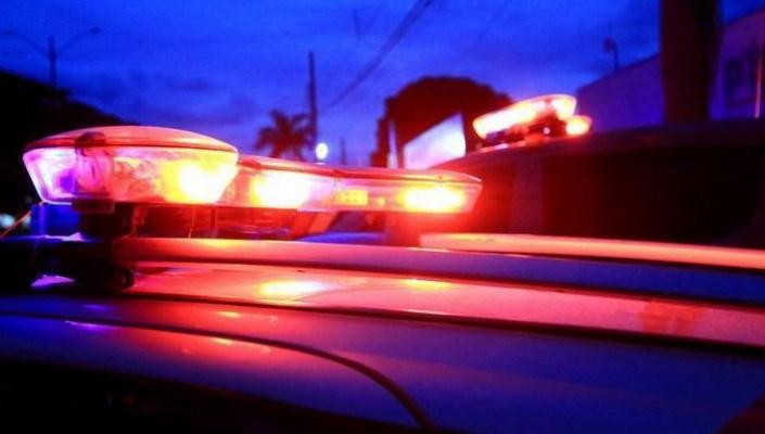 Homem recolhe carro batido e é detido por receptação