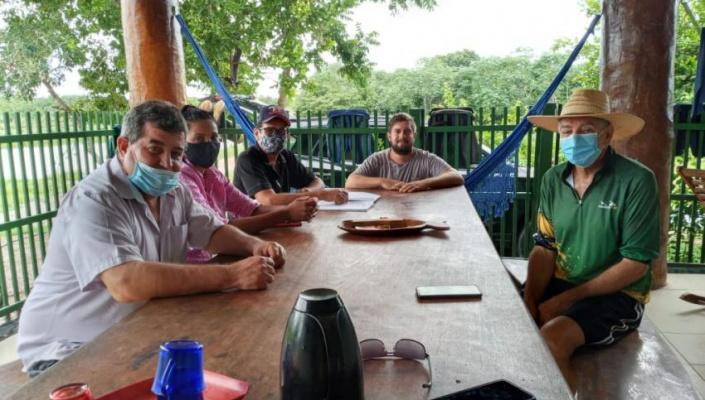 Secretário de Agricultura faz visita técnica em piscicultura