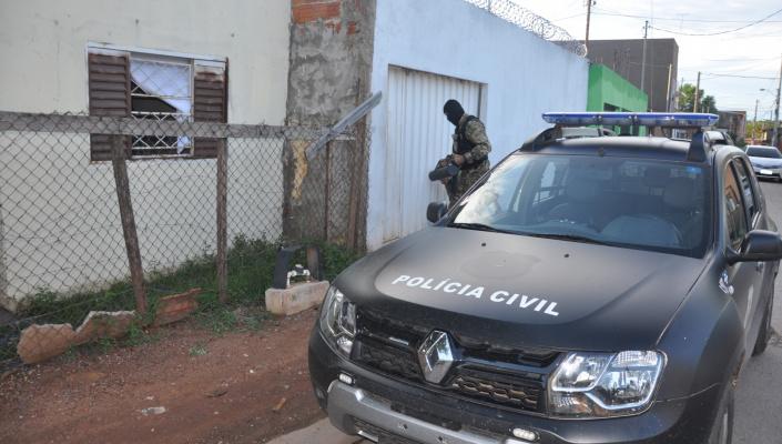 Operação desarticula grupo que atuava com disque entrega de drogas na Capital