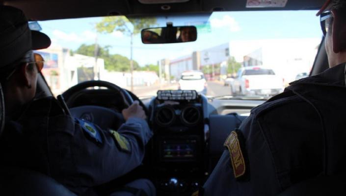 Menina de 3 anos morre após carro que mãe dirigia capotar em MT