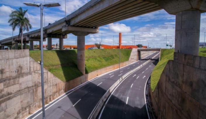 Inaugurado em 2014, viaduto do Tijucal apresenta falhas na estrutura e é interditado