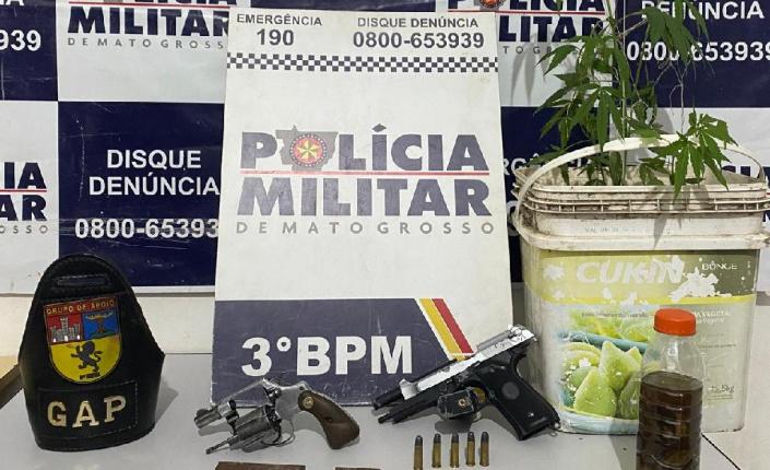 PM prende três suspeitos a apreende arma de fogo em tanque de combustível de carro