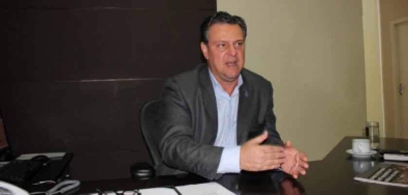 Ex-vice-governador deixa cargo no Governo para disputar Senado em abril