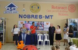 Feira literária atrai bom público para a sede do Rotary
