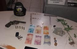 Suspeitos são presos com drogas  e  tentar subornar policiais em Nobres